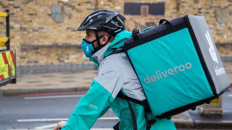 Deliveroo Clean air mask giveaway