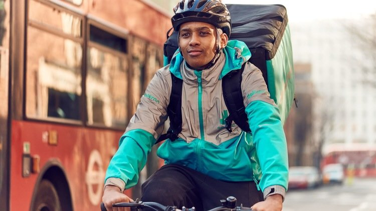 Deliveroo makes major commitment to improve cycle safety